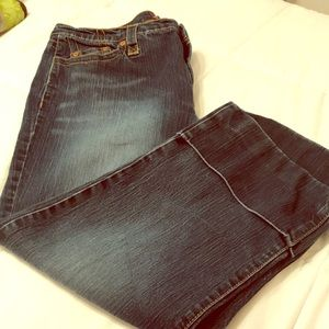 Jones Wear blue cropped jeans with wide cuff